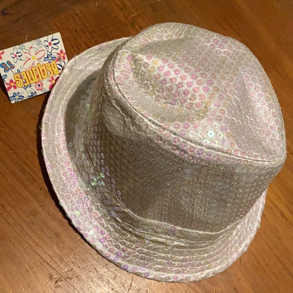 Fidora hat 🧢